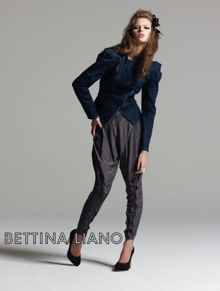 The girl at Bettina wore pants back to front so the laces were at the back instead of the front.